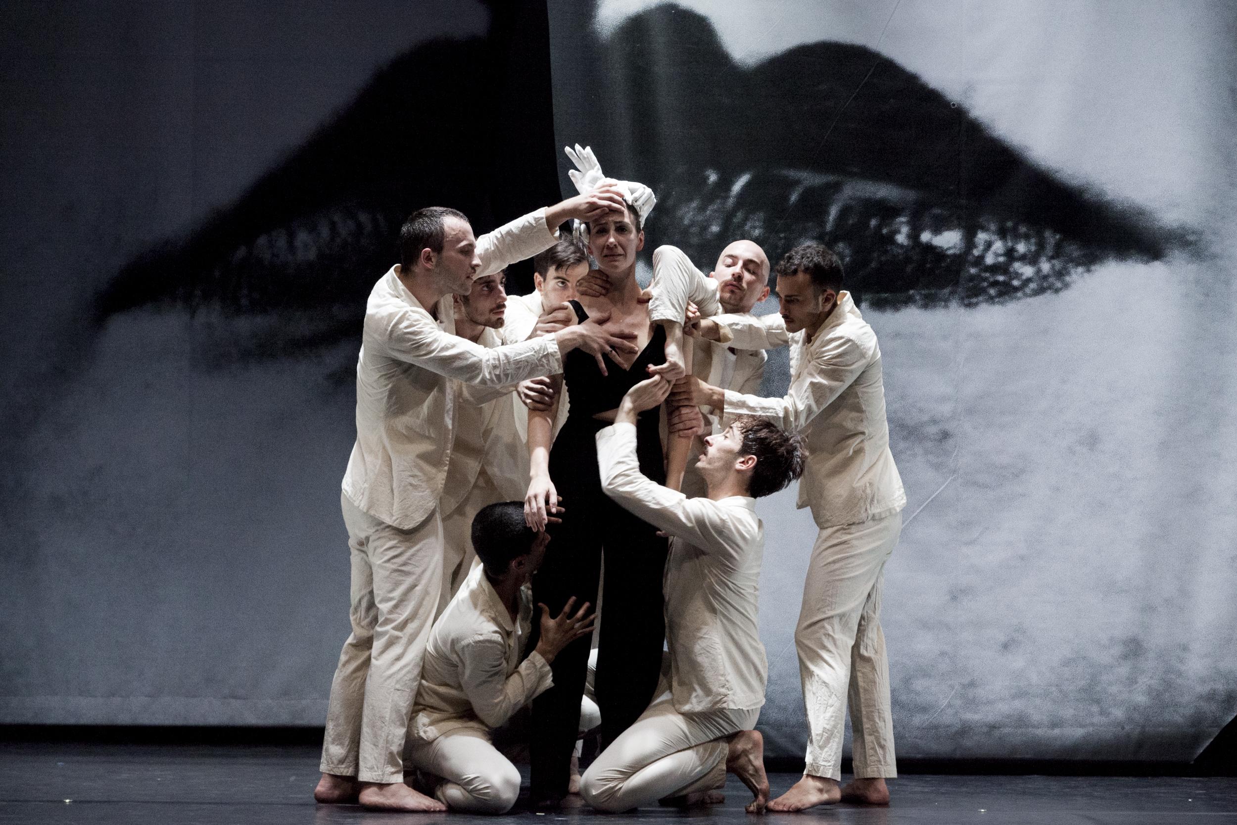 Taiat Dansa: Man Ray