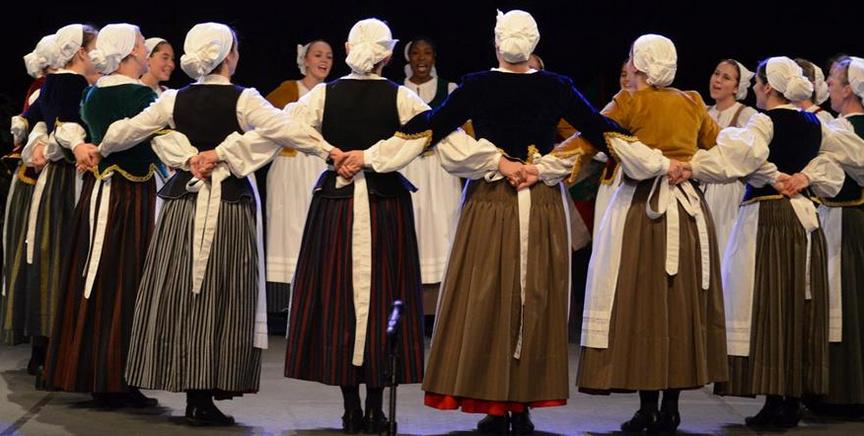 Akelarre dantza taldea Argentinako euskal astean izango da