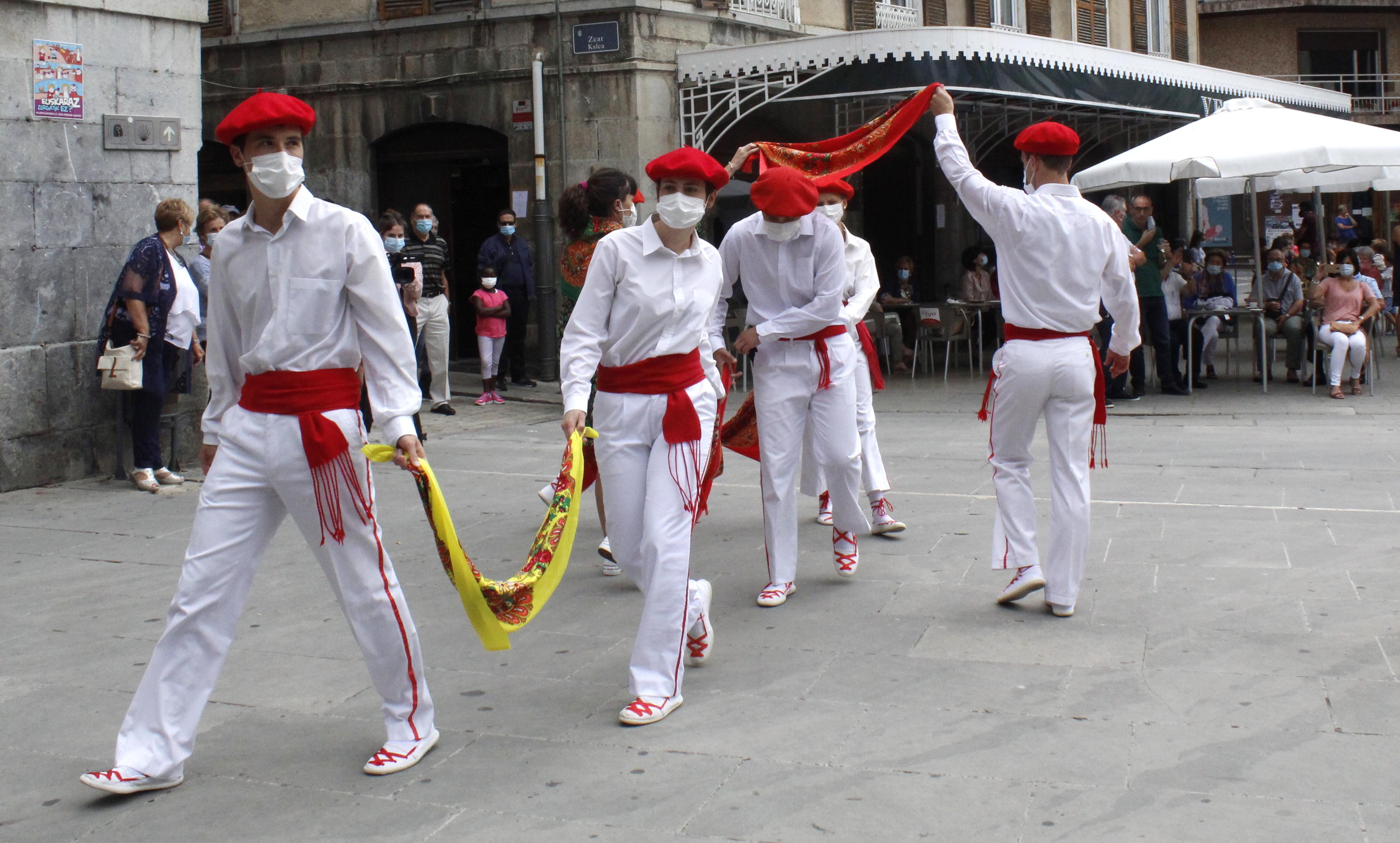 Dantza taldeen emanaldiak baimendu ditu Jaurlaritzaren dekretu berriak