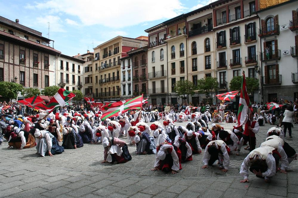 Urrira atzeratu dute Hernaniko 25. Dantzari Festa