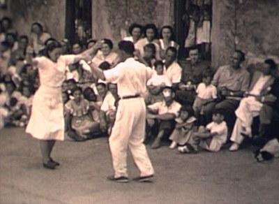 1951-1955 Bakio frontoian dantzan