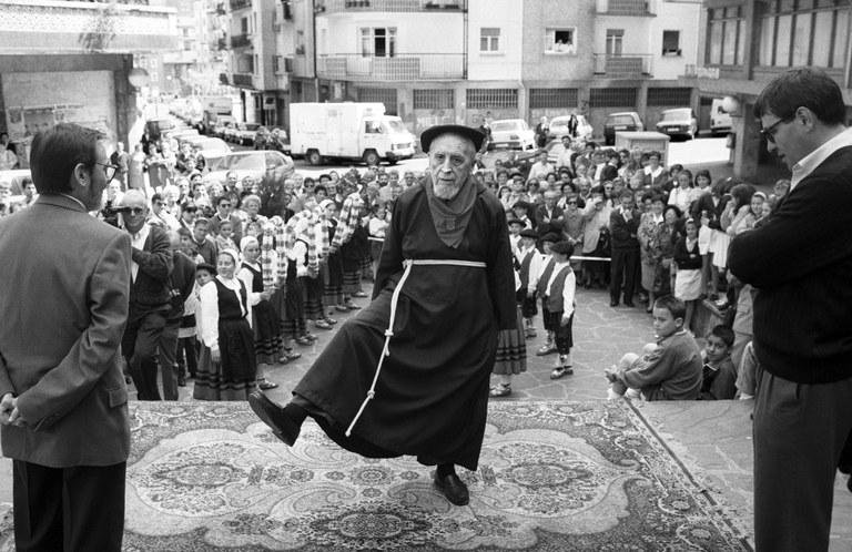 Antonio Arraiza 100 urtekin aurreskua dantzatzen
