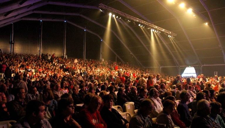 2014ko Confolens Jaialdia. Argia, Maritzuli, Arkaitz, Haritz, Gure-Kai, Duguna, Urki eta Kezka. 2014-08-12/13.Oier Araolaza / Dantzan CC BY-SA