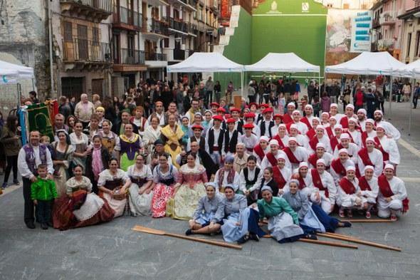 Ermua: arrateko dantzak, talde argazkia