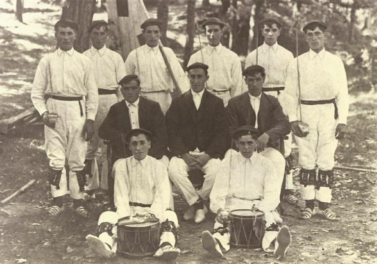 Izurtzako dantzariak 1916