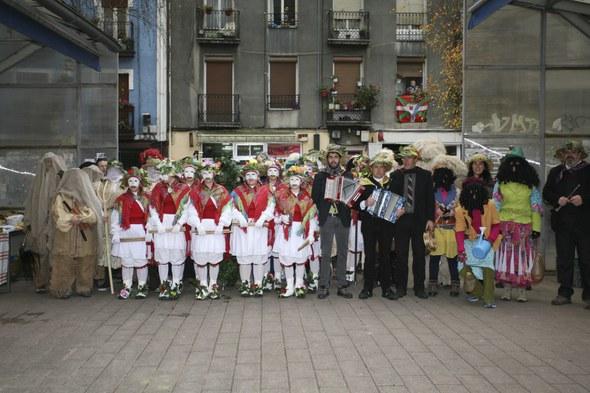 Koko-dantzak 2016: Merkatu-plazan taldea