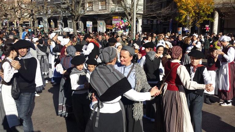 Eibar, Untzaga plaza, 2015-11-30. Argazkia: Oier Araolaza - dantzan.eus CC BY-SA
