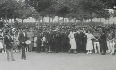 Santurtzi 1921 emakumeen aurreskua 03 rek