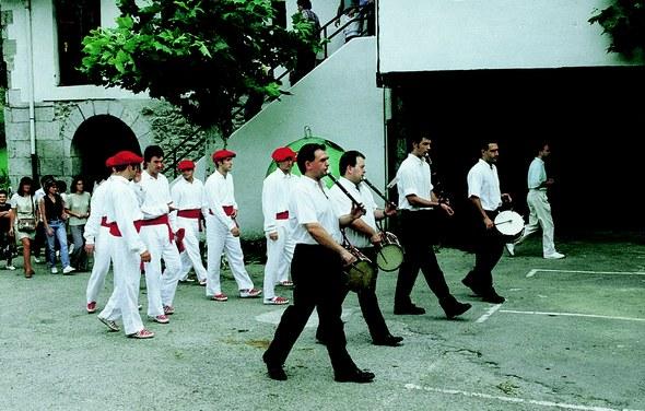 Soka-dantza Sallobente auzoan (Elgoibar) 1997