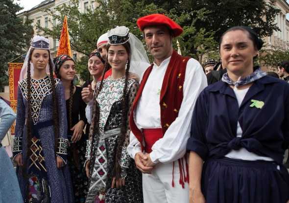 Villach 2013 Kezkako eta Georgiako dantzariak