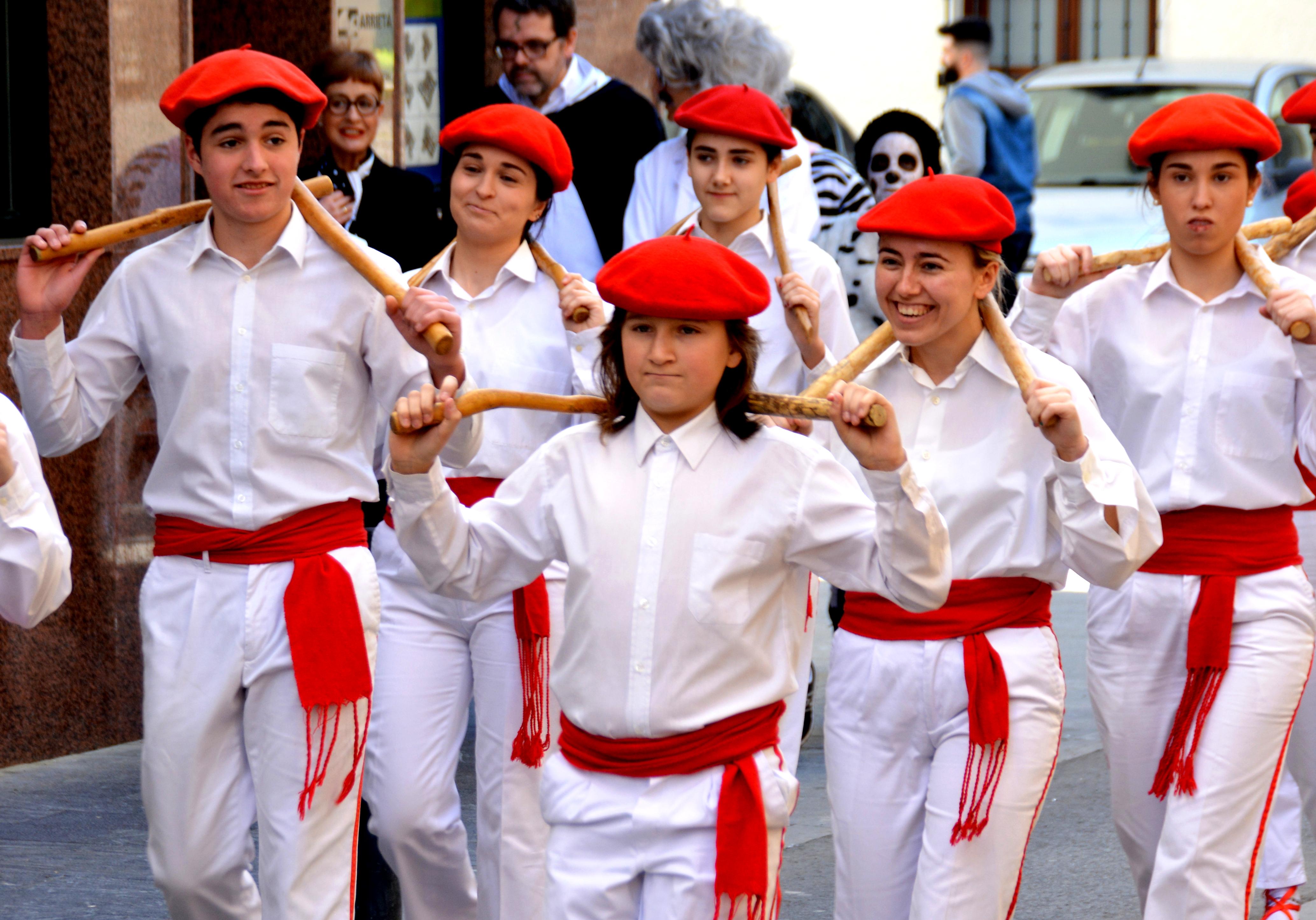 Hitzaldia: Genero-identitatea euskal dantzaren eraikuntzan