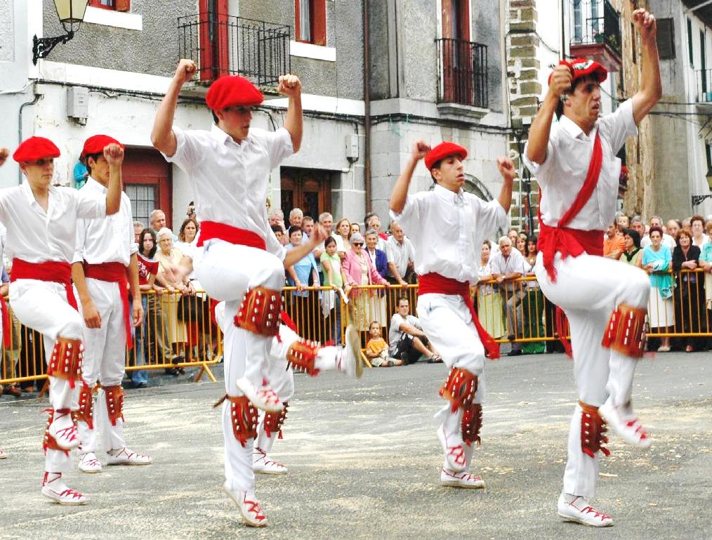 Ikastaroa: Berastegiko San Joan dantzak