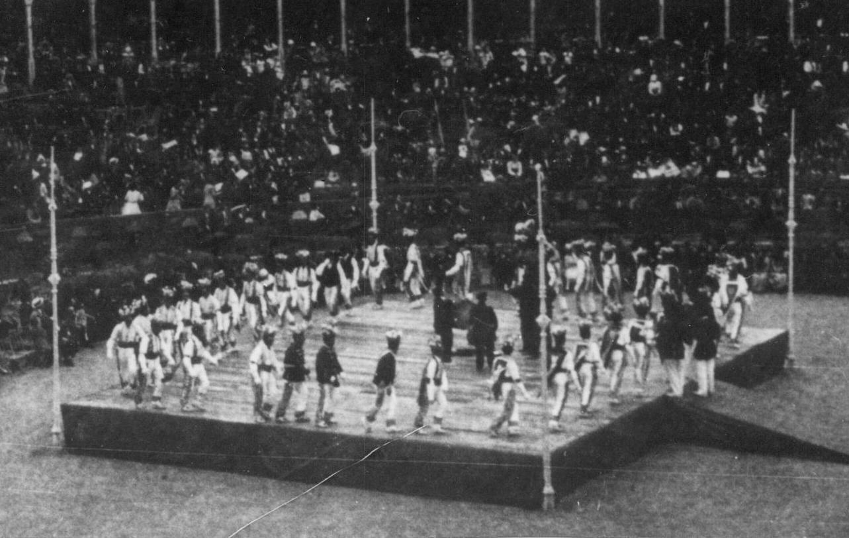 Yanza yauci, zortzitan sinple eta burrunba dantza, 1920an Iruñean