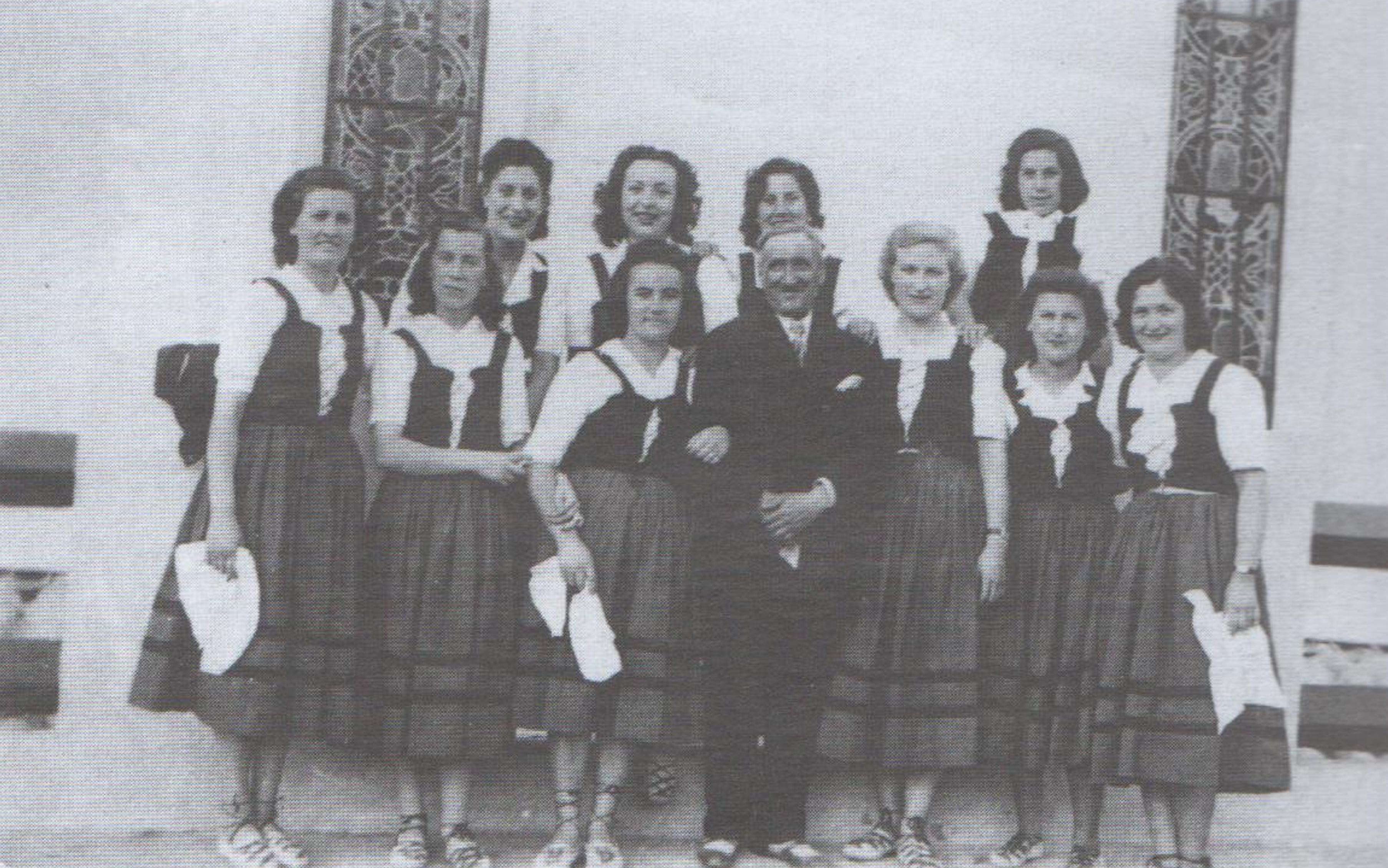 Emakumeek aurreskua dantzatu zuten Añorgan 1944an Pujanaren begiradapean