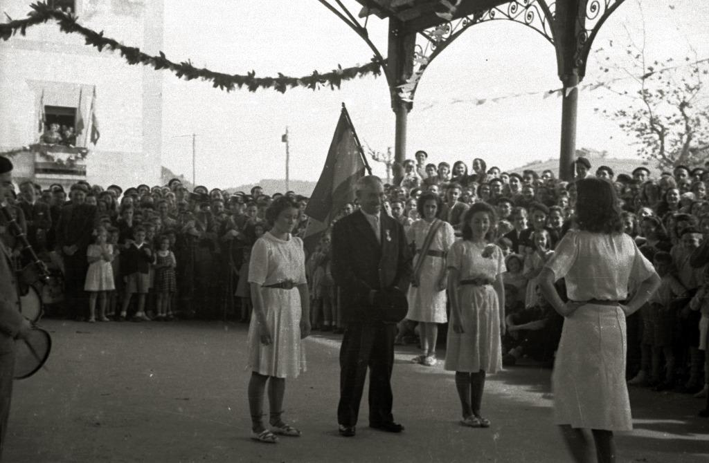 Orain 75 urte, Orion, emakumeek dantzatu zuten aurreskua Kontxan lortutako garaipena ospatzeko