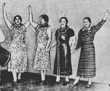 Potxuak, XX. mende hasieran Ameriketan aurreskua dantzatzen zuten emakume lekeitiarrak