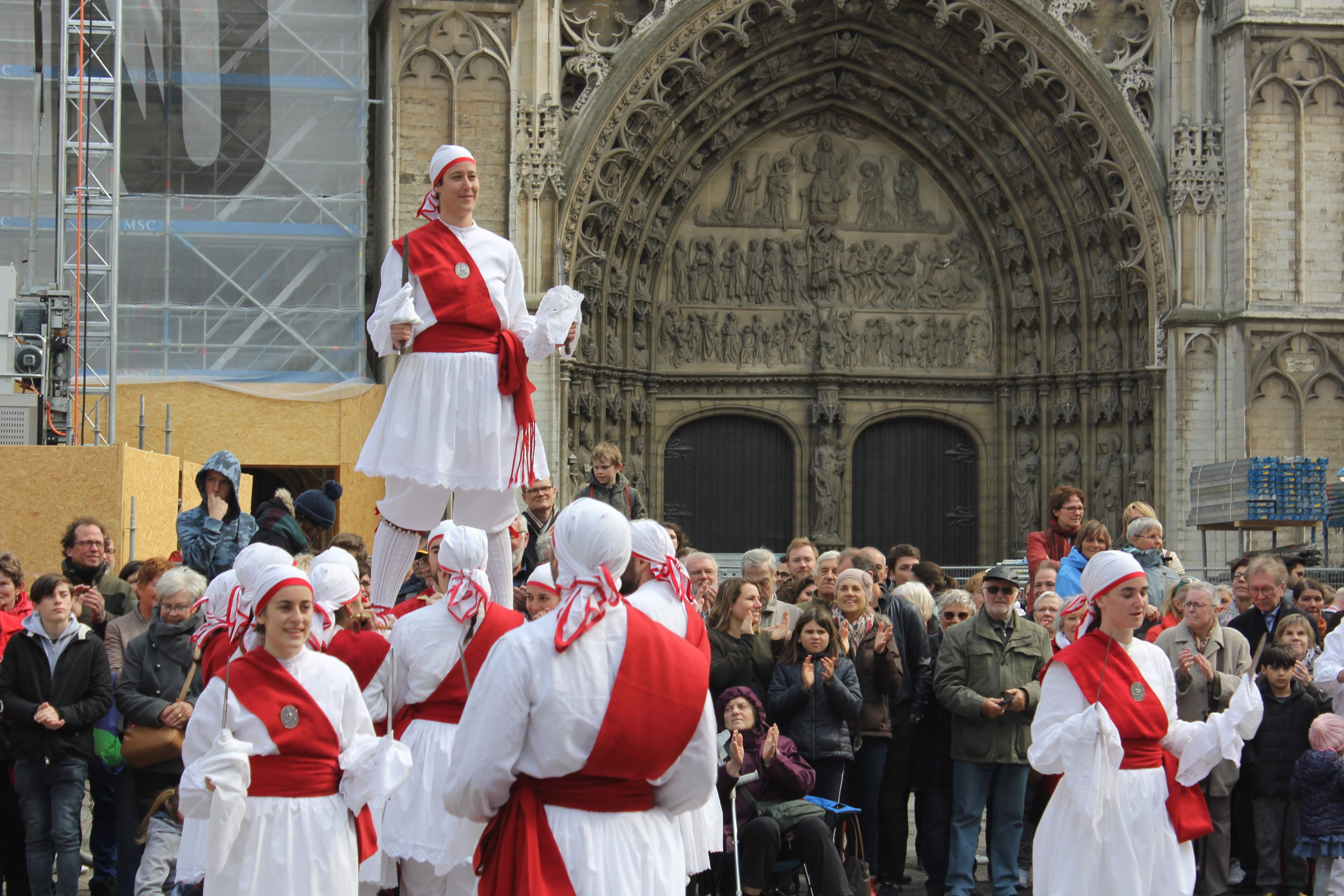 Ezpata-dantzak Antwerpenen, Europa zaharraren bihotzean