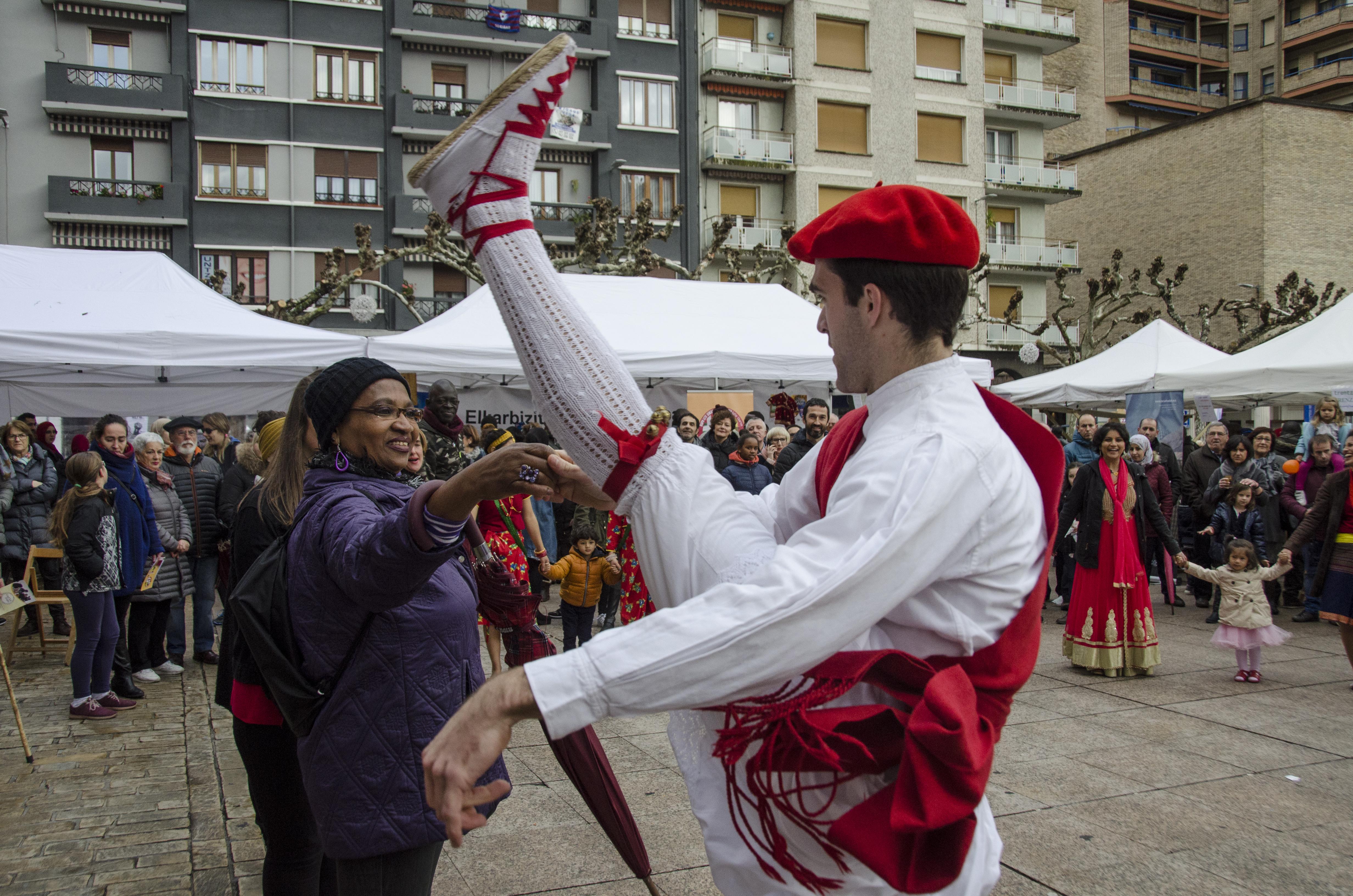 Kultur aniztasunaren soka-dantza